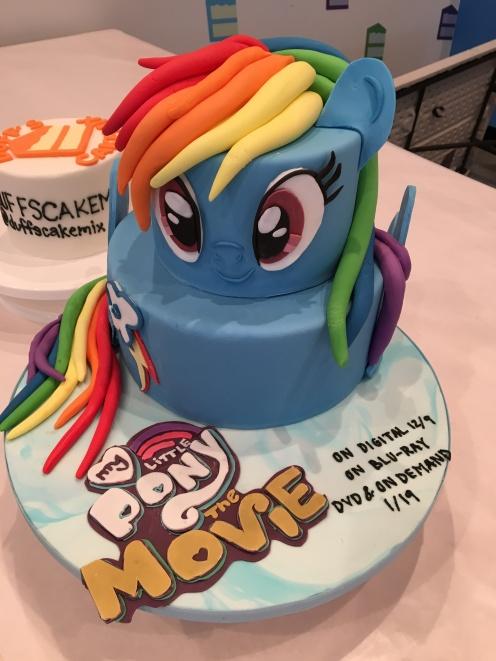 Pony Cake Legible