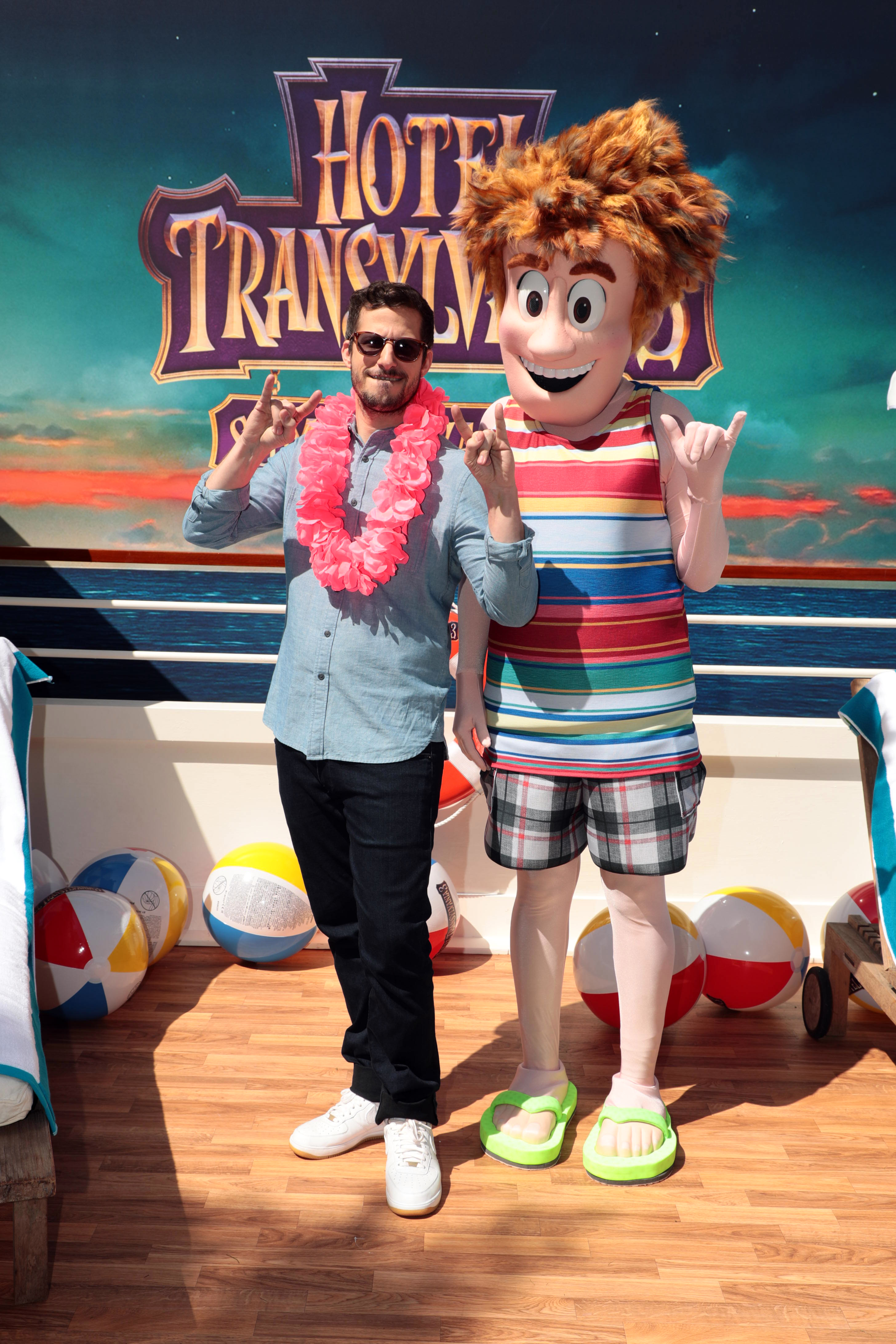 Hotel Transylvania 3 Summer Vacation Selena Gomez At Spa Press Day New Character Reveals Jana On Camera